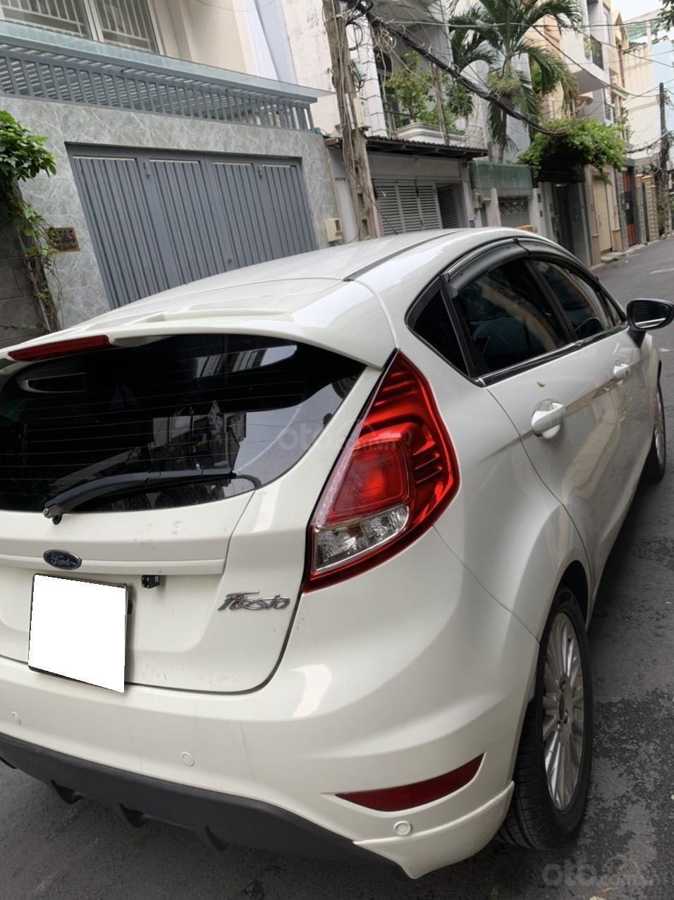 Bán ô tô Ford Fiesta Ecoboost sản xuất 2014, màu trắng, giá chỉ 389 triệu (10)