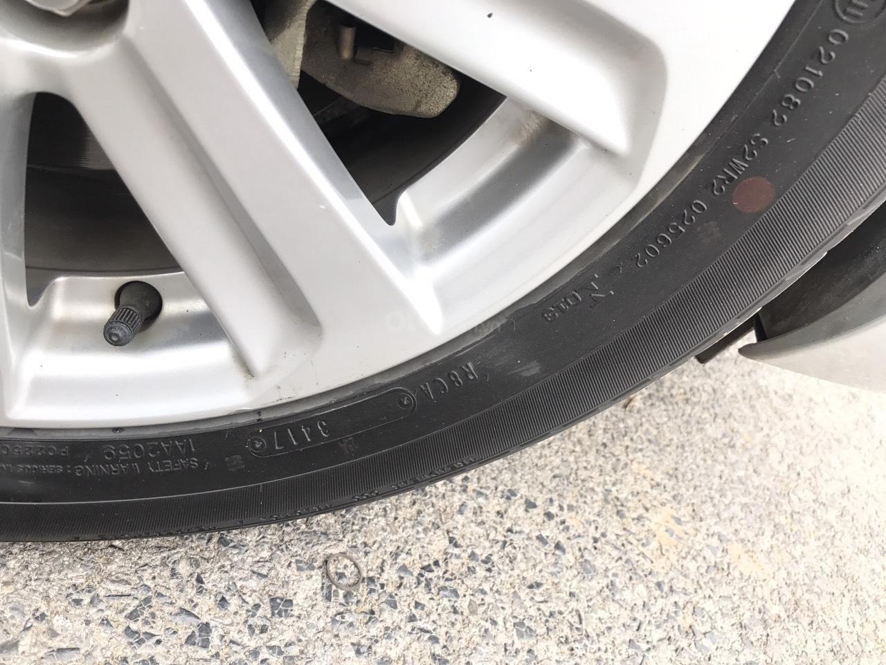 Bán xe Toyota Vios 1.5E CVT 2017, màu bạc, 1 chủ không lỗi nhỏ, xe mới cứng (23)
