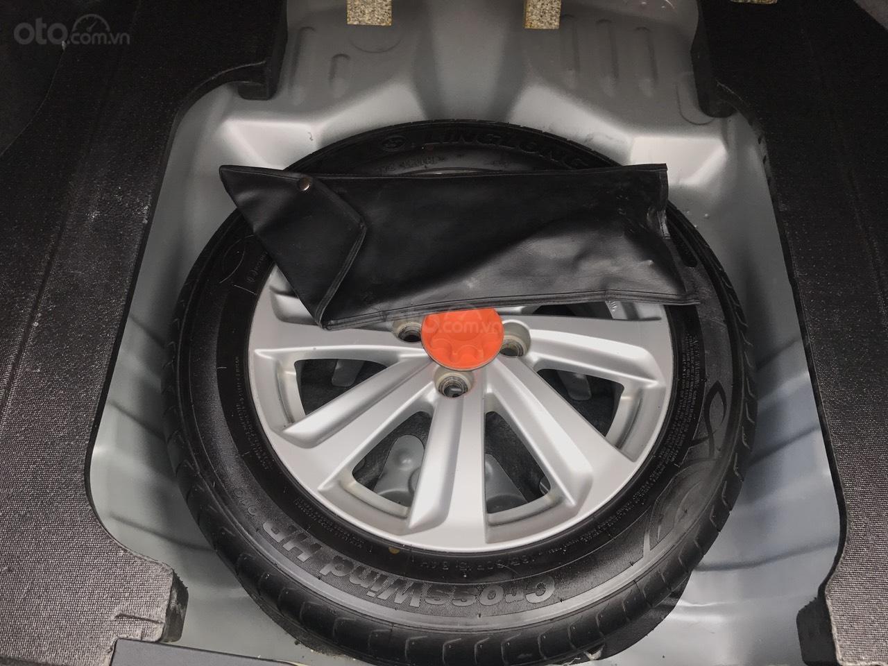 Bán xe Toyota Vios 1.5E CVT 2017, màu bạc, 1 chủ không lỗi nhỏ, xe mới cứng (24)