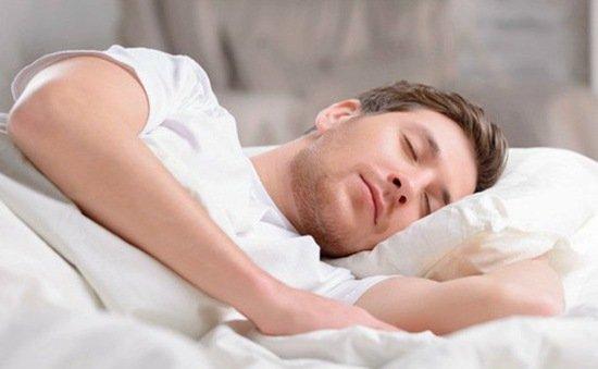 Nên ngủ đủ giấc trước khi cầm lái 1