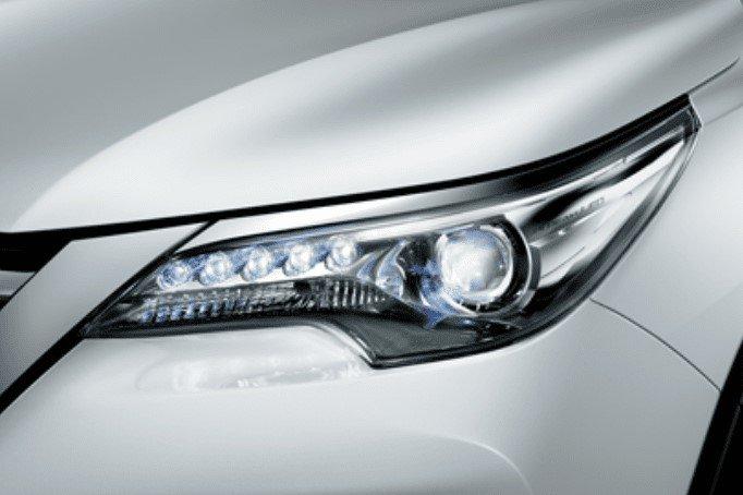 Thiết kế đèn pha ToyotaFortuner 2020 1