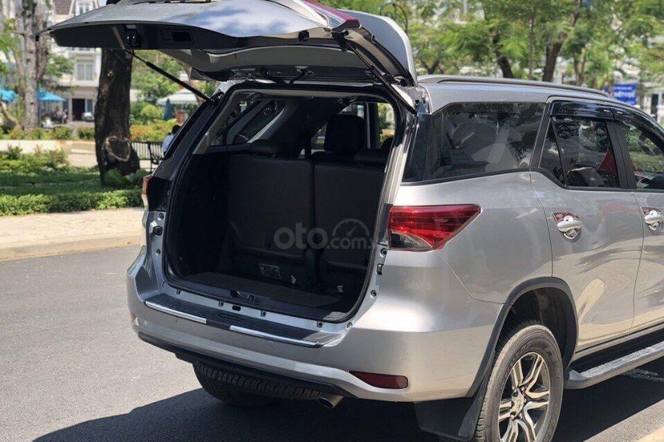 Khoang chứa đồ trên xe ToyotaFortuner 2020 1