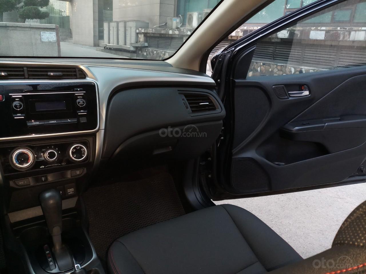Ô Tô Thủ Đô bán xe Honda City AT 2017, màu đen 505tr (12)