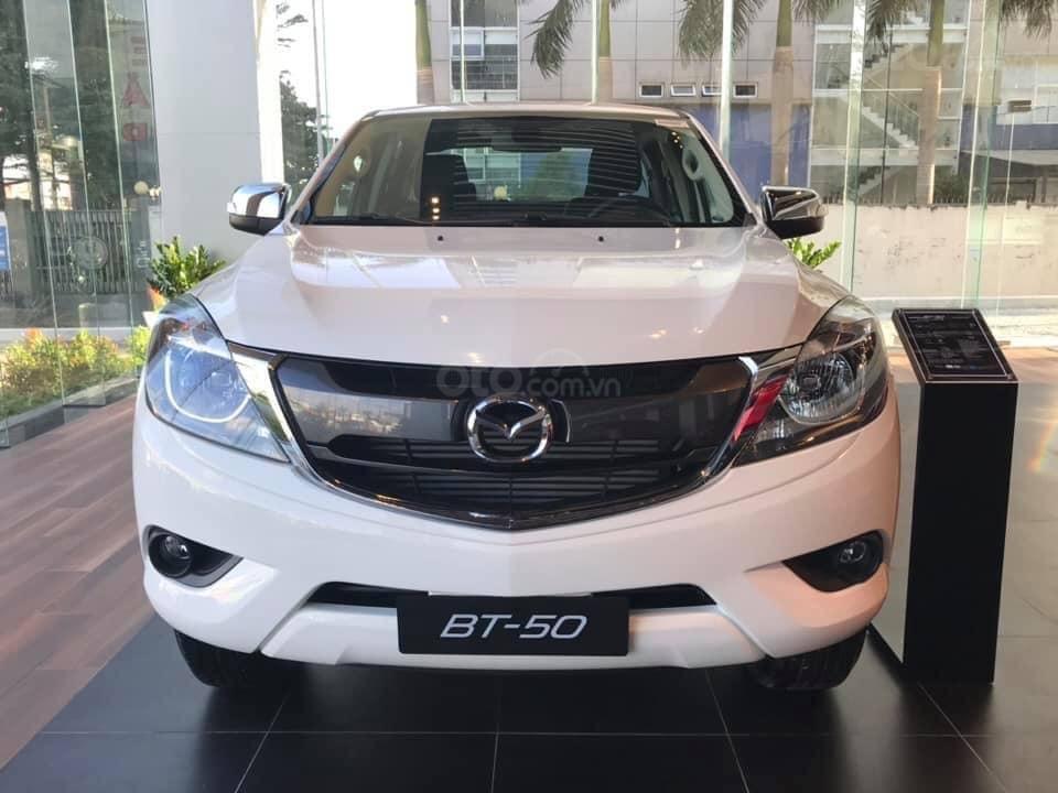 [Mazda Giải Phóng] BT-50 2.2 MT-trắng - sẵn xe giao ngay 0963 854 883 (1)