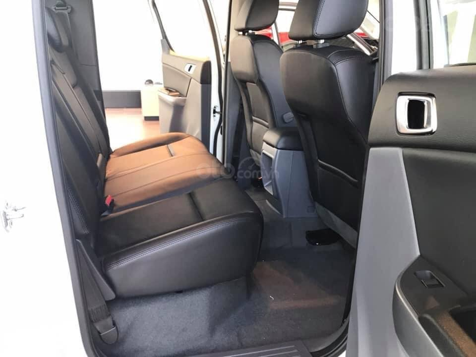 [Mazda Giải Phóng] BT-50 2.2 MT-trắng - sẵn xe giao ngay 0963 854 883 (4)