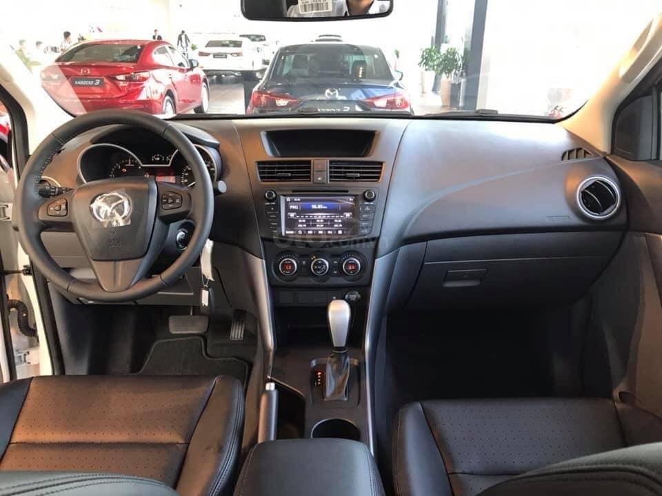 [Mazda Giải Phóng] BT-50 2.2 MT-trắng - sẵn xe giao ngay 0963 854 883 (7)