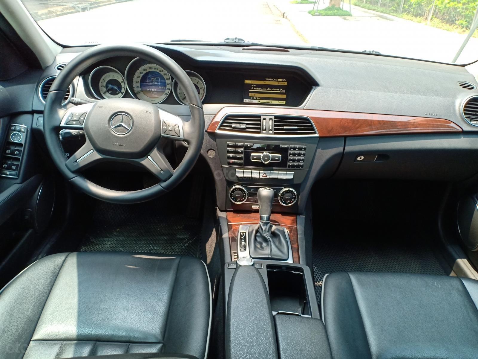 Bán ô tô Mercedes C250 sản xuất 2011, màu trắng, giá tốt, xe cực đẹp (18)