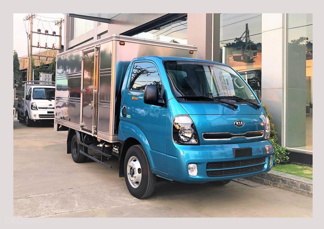 Xe tải Kia K250, 2.49 tấn, máy Hyundai, góp 75%, xe mới có sẵn (9)