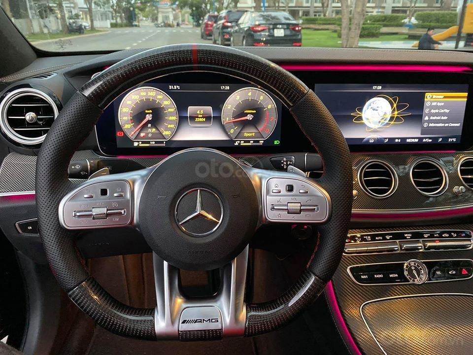 MBA Auto - Bán xe Mercedes E300 AMG nhập khẩu màu đen nhập khẩu model 2018 - Trả trước 800 triệu nhận xe ngay (5)