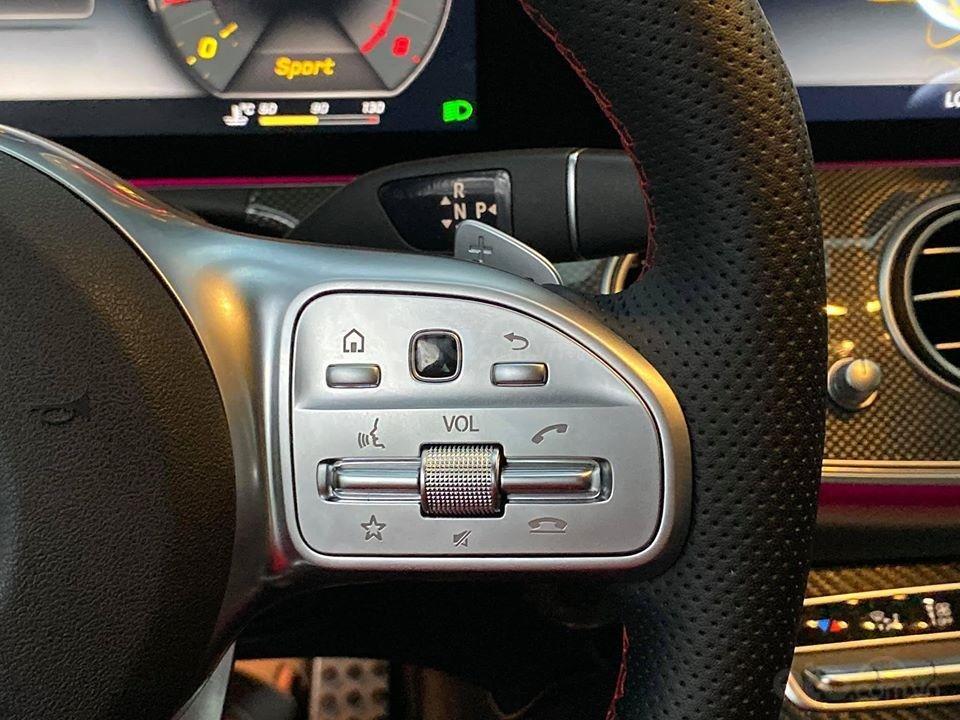 MBA Auto - Bán xe Mercedes E300 AMG nhập khẩu màu đen nhập khẩu model 2018 - Trả trước 800 triệu nhận xe ngay (12)