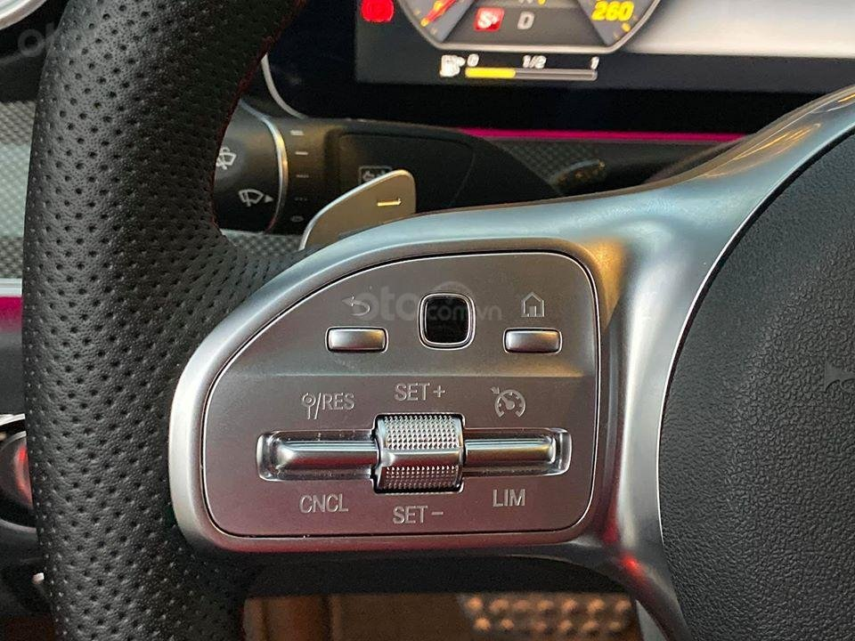 MBA Auto - Bán xe Mercedes E300 AMG nhập khẩu màu đen nhập khẩu model 2018 - Trả trước 800 triệu nhận xe ngay (11)