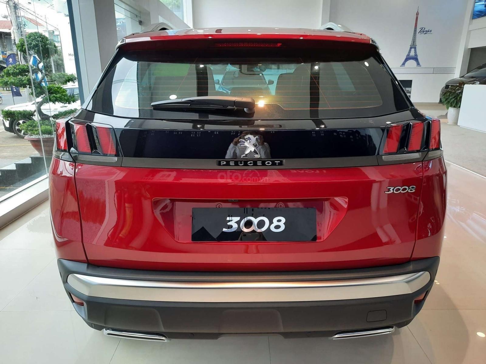 """Peugeot 5008 đủ màu """" đặc biệt có màu đỏ Utimate Red"""" giao xe ngay, hỗ trợ ngân hàng, tư vấn lái thử tân nhà (2)"""