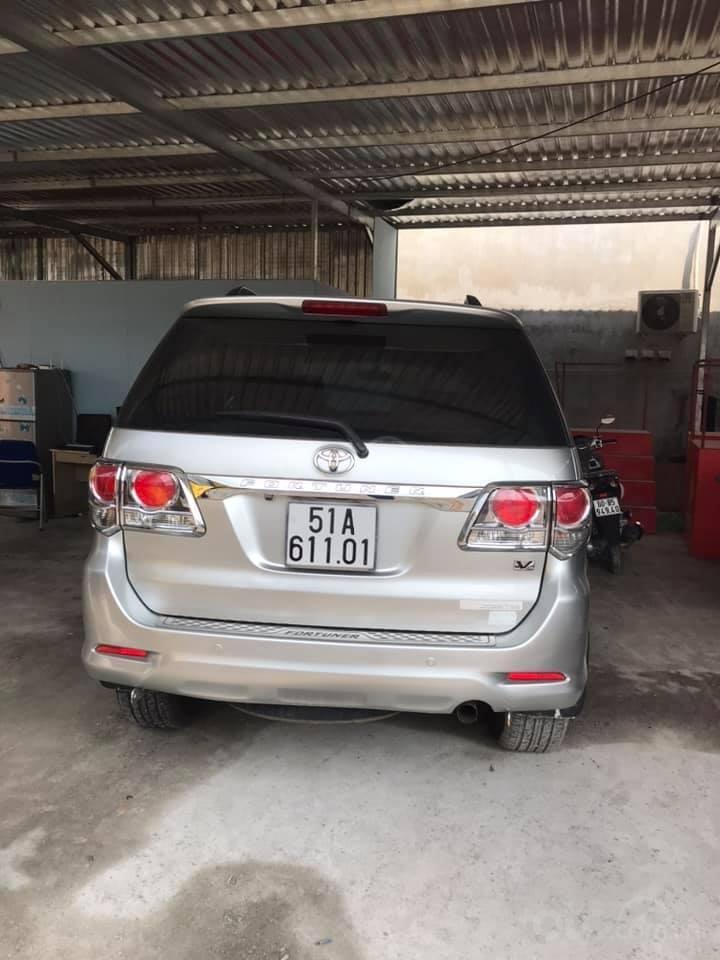 Bán Toyota Fortuner sản xuất 2013, màu bạc số tự động (4)