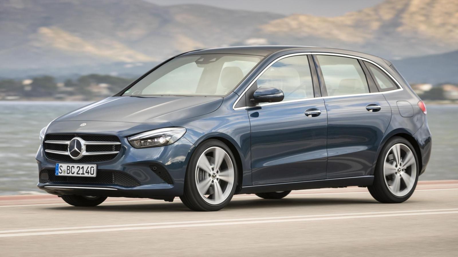 Đánh giá xe Mercedes-Benz B-Class 2020 về thân xe: góc 3/4 thân xe