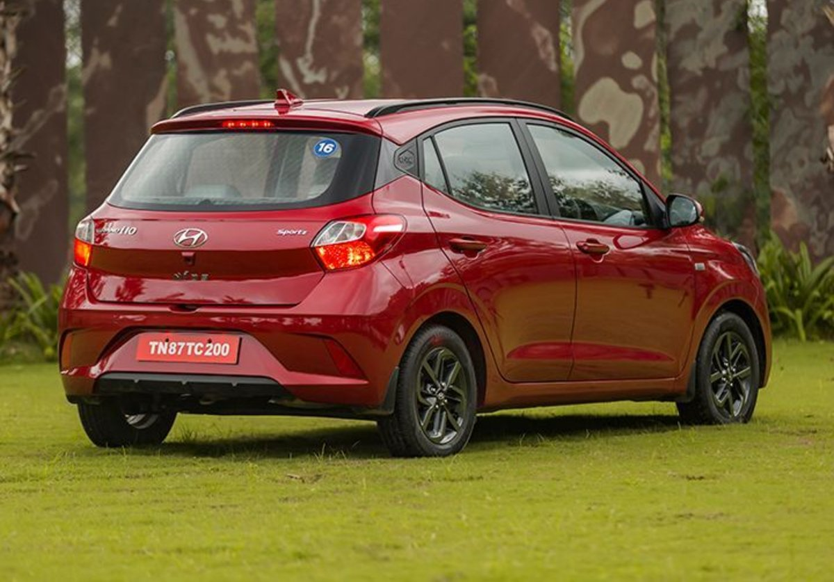Đánh giá xe Hyundai Grand i10 2020 - Đuôi xe trang trí bắt mắt