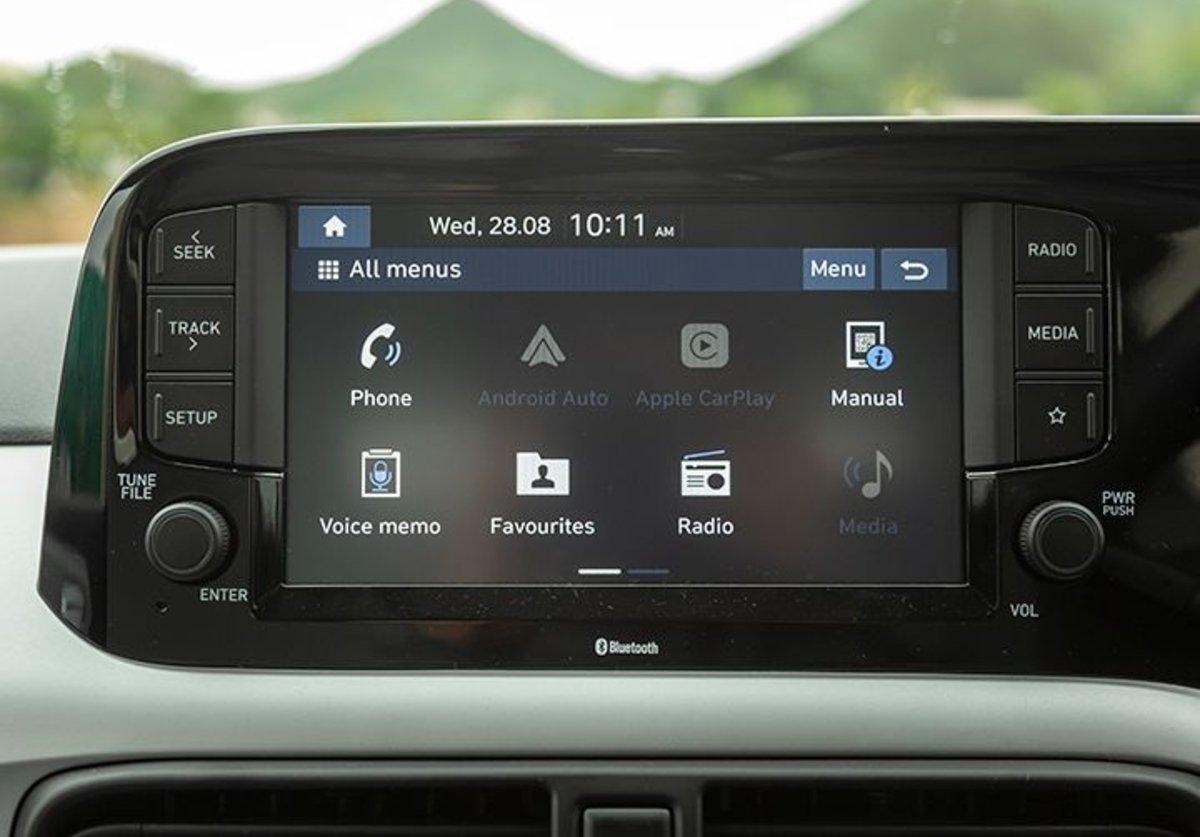 Đánh giá xe Hyundai Grand i10 2020 - Màn hình rõ nét