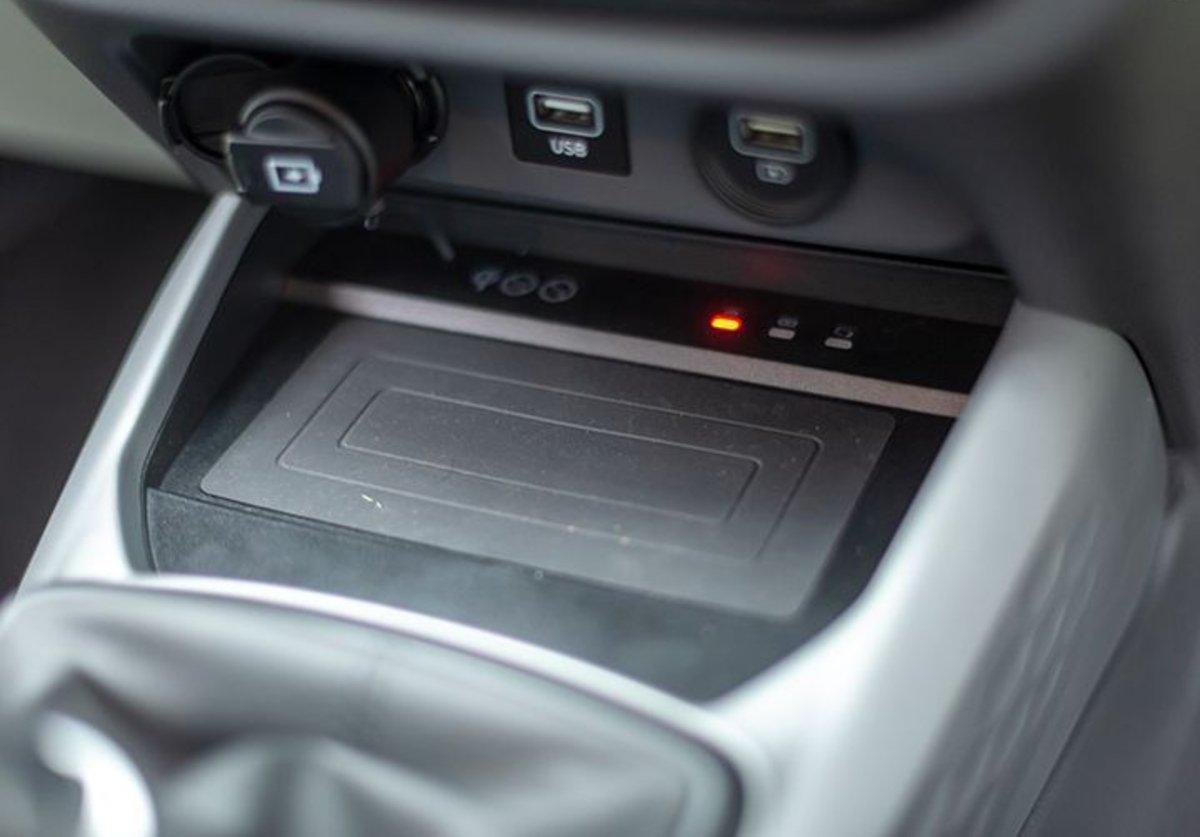 Đánh giá xe Hyundai Grand i10 2020 - Nhiều công nghệ tiện lợi