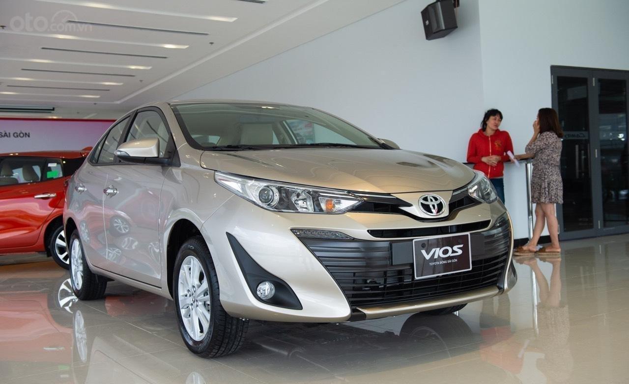 Toyota Vios 2019 mới giá tốt, mua trả góp lãi suất 0% 165 triệu, giao xe ngay tất cả các tỉnh (1)
