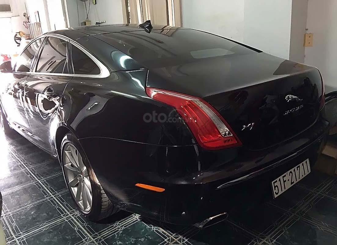 Xe Jaguar XJ series  2.0 sản xuất năm 2014, màu đen, xe nhập chính chủ (2)