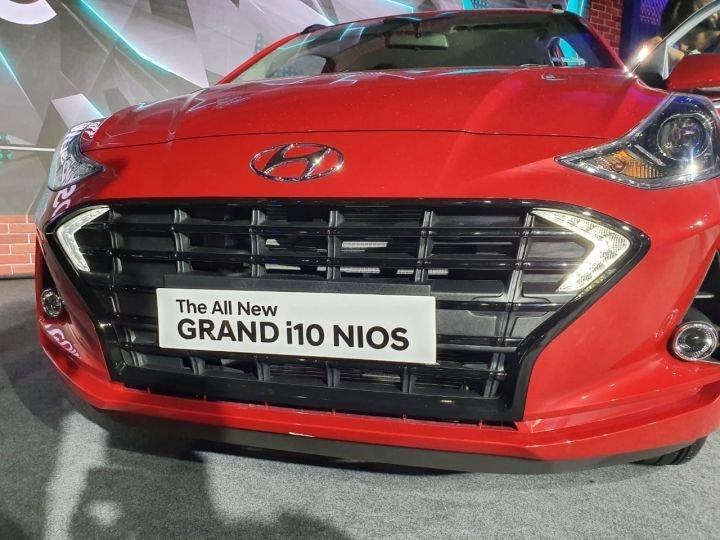 Đánh giá xe Hyundai Grand i10 2020 - Mặt xe nổi bật