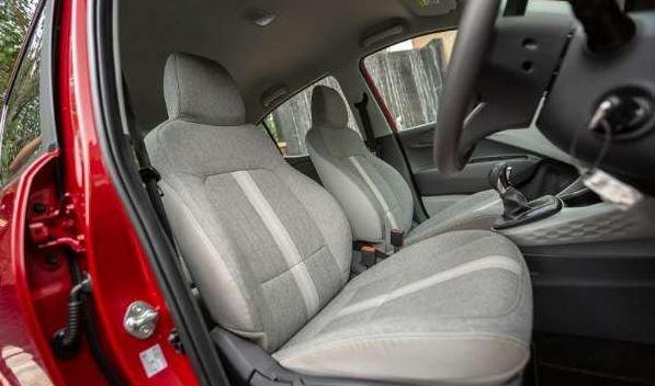 Đánh giá xe Hyundai Grand i10 2020 - Rộng rãi về không gian