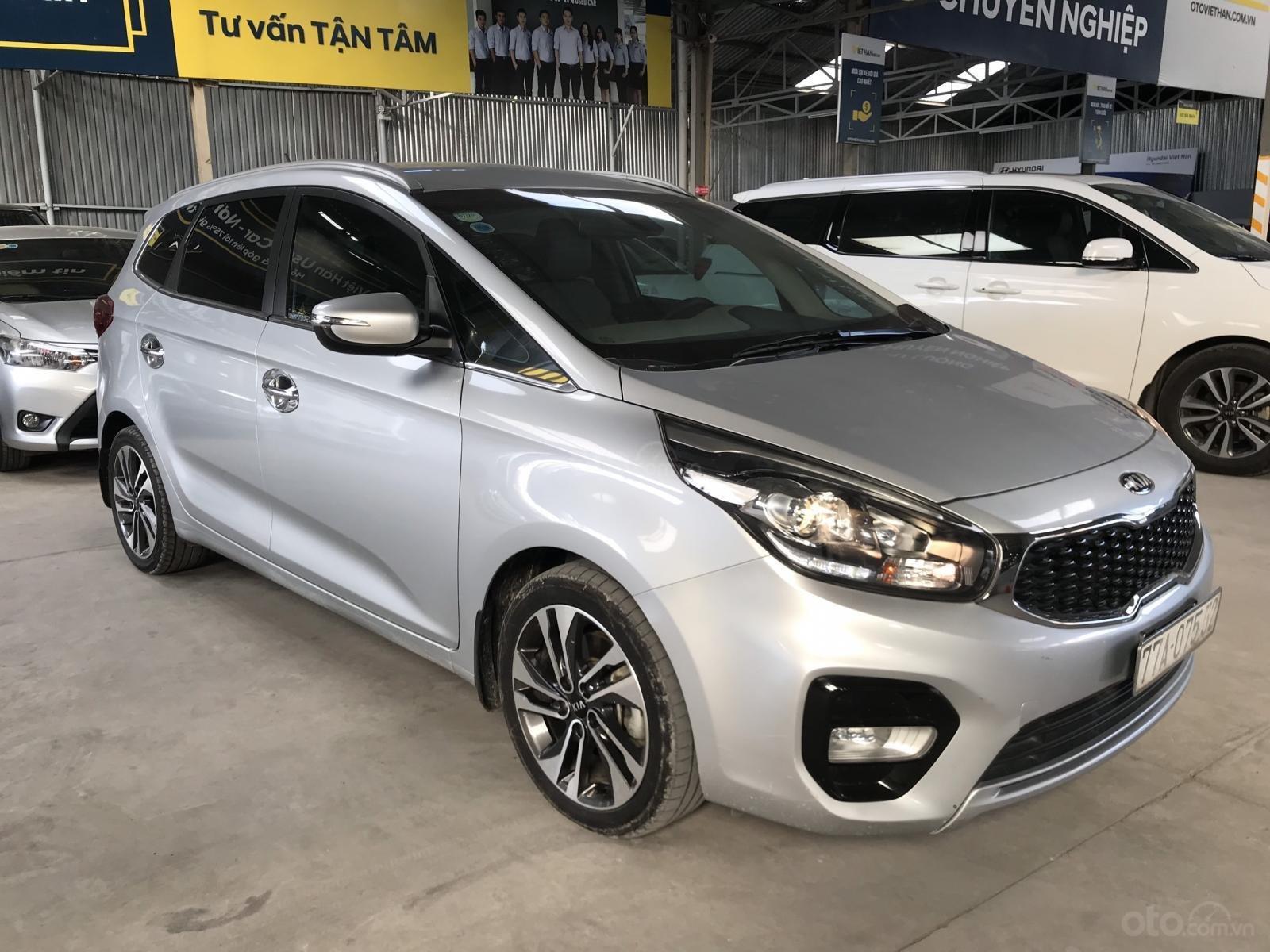 Bán Kia Rondo GAT 2.0AT màu bạc số tự động sản xuất 2017 đi 37000km (4)