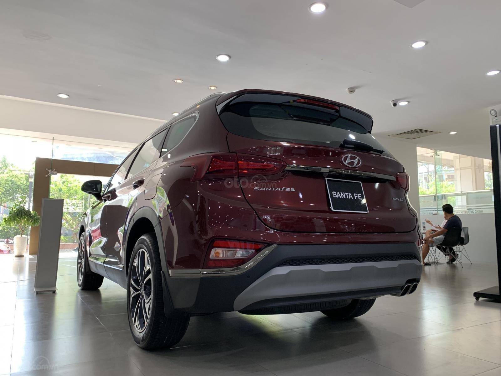 Hyundai Santafe bản đặc biệt nhiều ưu đãi hấp dẫn, khuyến mãi ngập tràn (6)