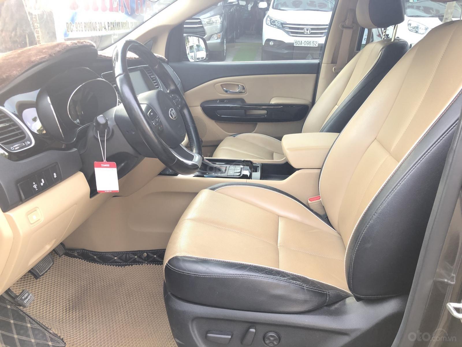 Cần bán xe Kia Sedona 3.3 GATH đời 2015, màu nâu (5)
