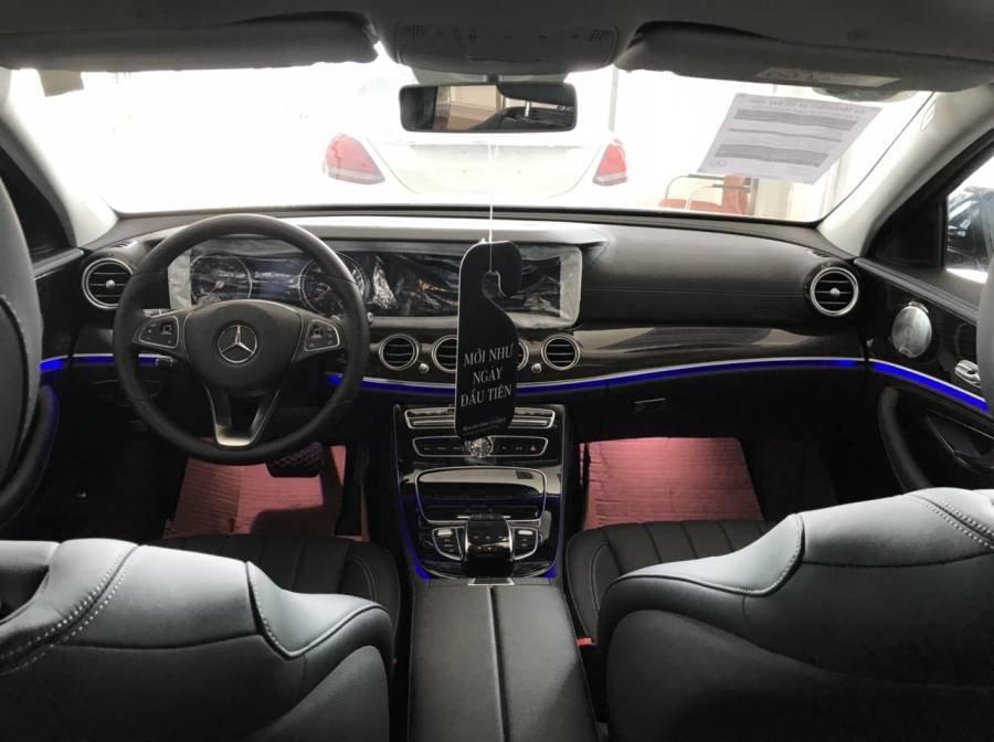 Cần bán Mercedes E250 năm 2019, nhập khẩu như mới (6)