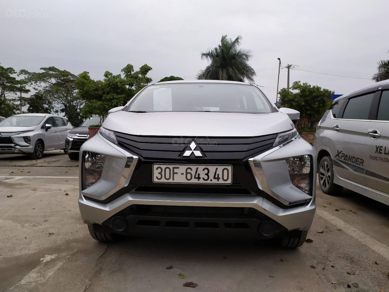 Bán xe Mitsubishi Xpander nhập khẩu, màu bạc (2)