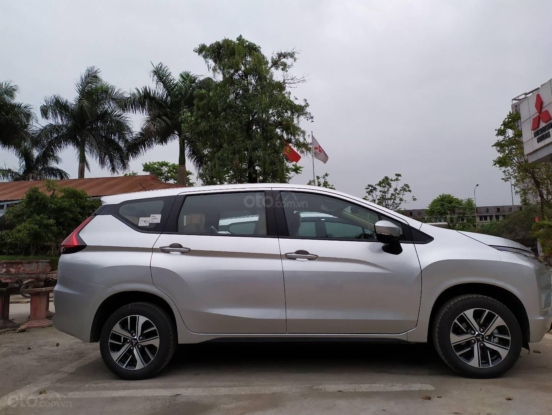 Bán xe Mitsubishi Xpander nhập khẩu, màu bạc (7)