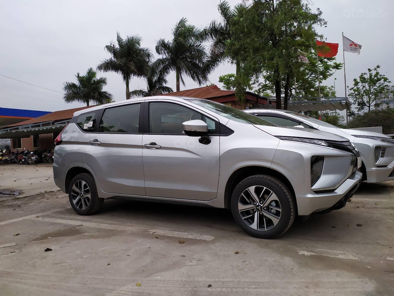 Bán xe Mitsubishi Xpander nhập khẩu, màu bạc (6)