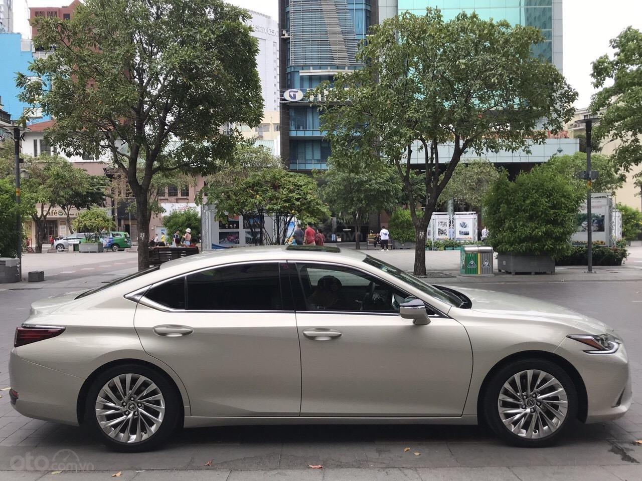Bán Lexus ES250 2019 nhập nguyên chiếc, hàng hiếm xe đúng 2500km bao kiểm tra hãng (1)