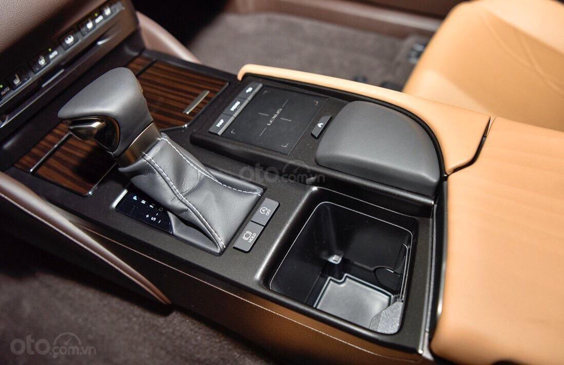 Bán Lexus ES250 2019 nhập nguyên chiếc, hàng hiếm xe đúng 2500km bao kiểm tra hãng (5)
