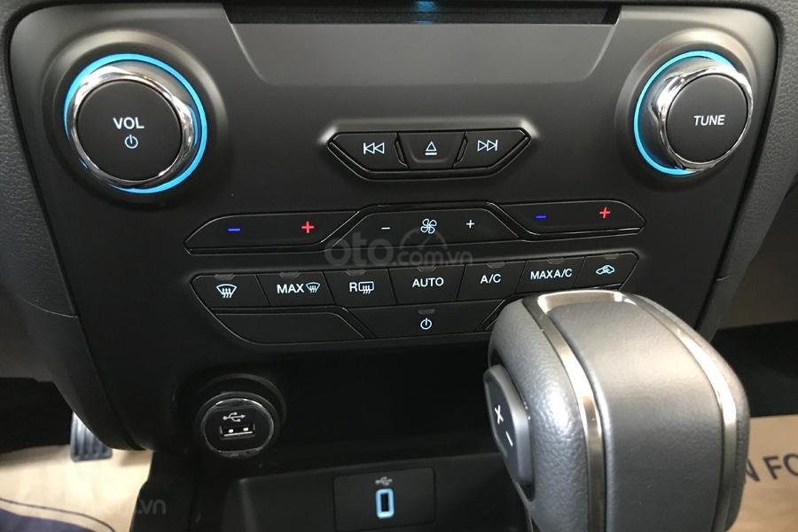 Bán chiếc xe Ford Ranger Wildtrak 2019 - Tặng phụ kiện chính hãng khi mua xe (10)
