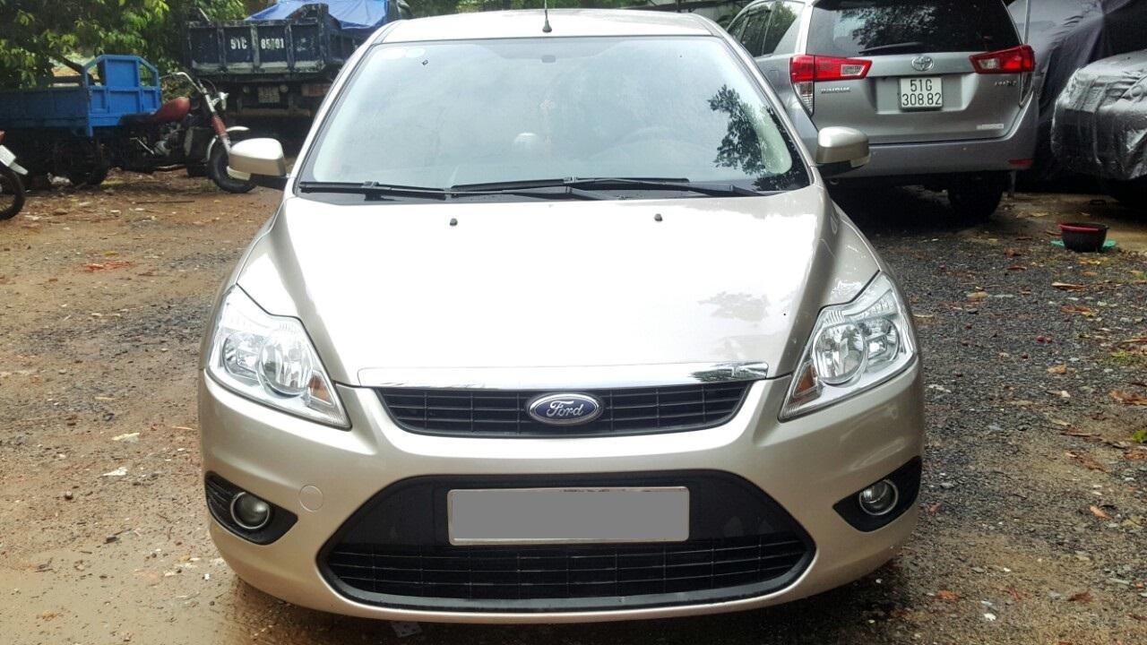 Cần bán xe Ford Focus sản xuất 2011, màu bạc, giá chỉ 308 triệu (1)