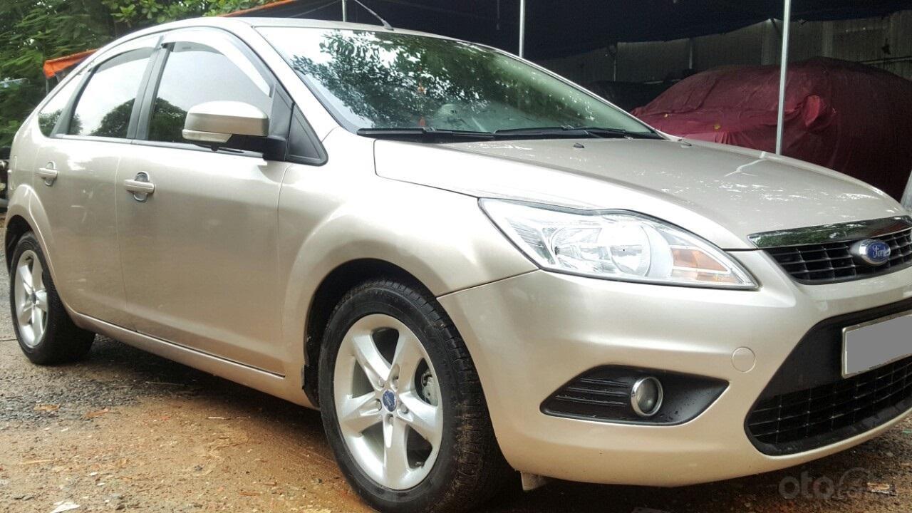 Cần bán xe Ford Focus sản xuất 2011, màu bạc, giá chỉ 308 triệu (2)