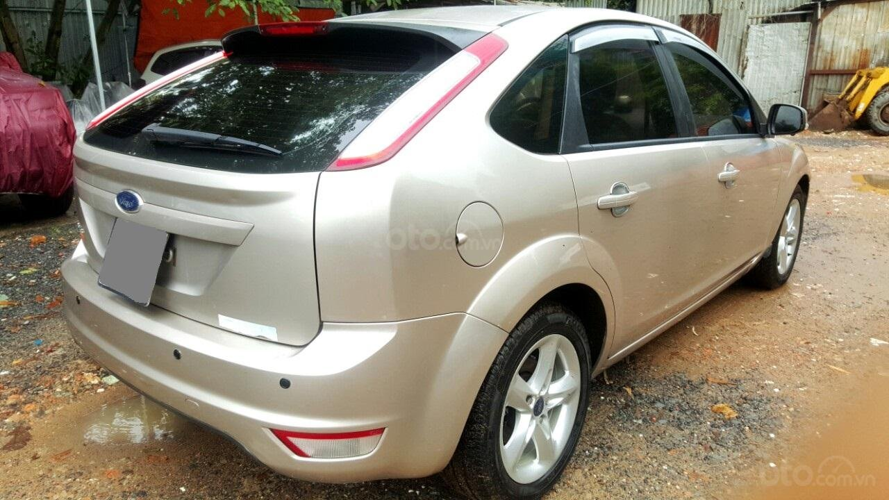 Cần bán xe Ford Focus sản xuất 2011, màu bạc, giá chỉ 308 triệu (5)