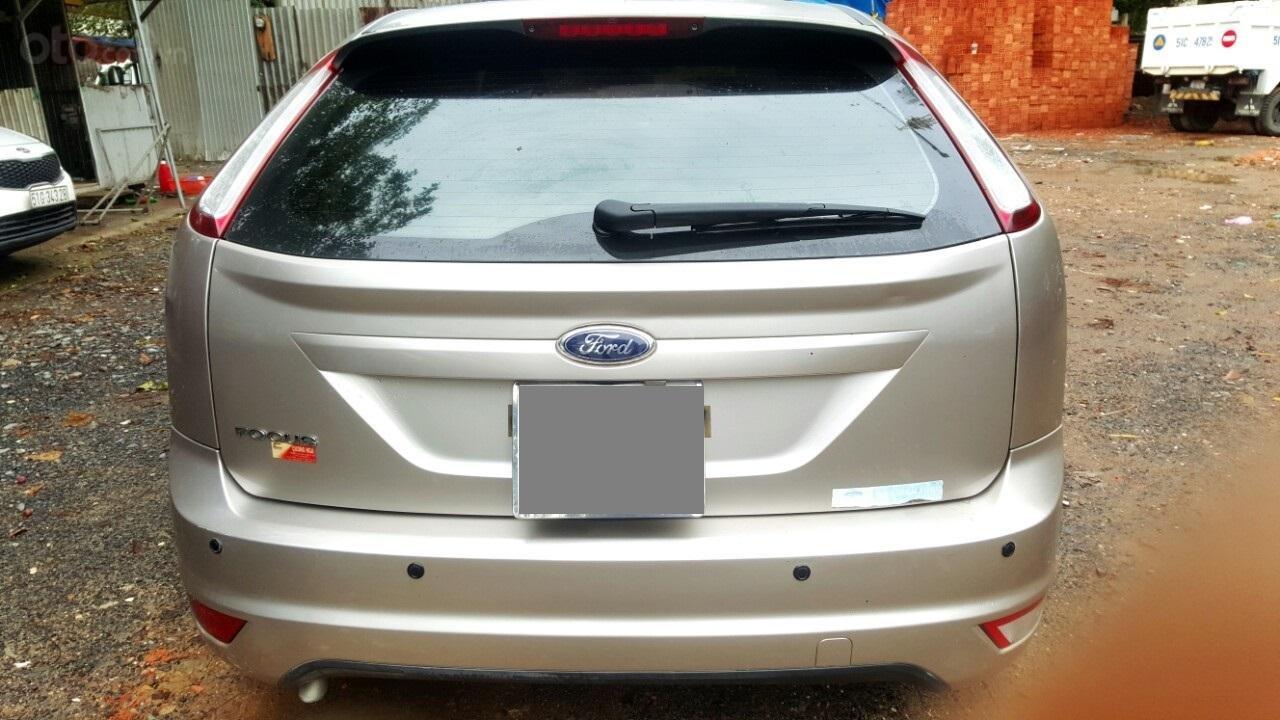 Cần bán xe Ford Focus sản xuất 2011, màu bạc, giá chỉ 308 triệu (6)