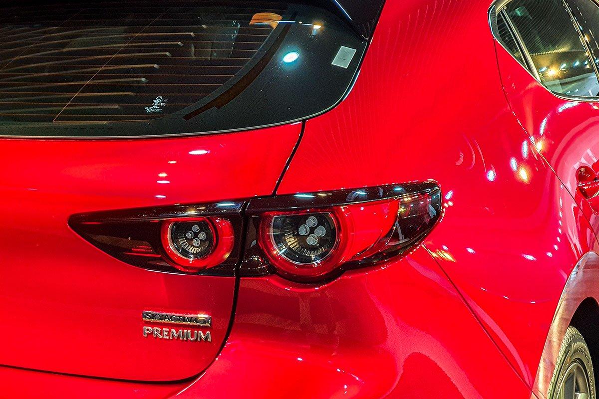 So sánh qua ảnh xe Mazda 3 Sport 2020 và đời cũ a15