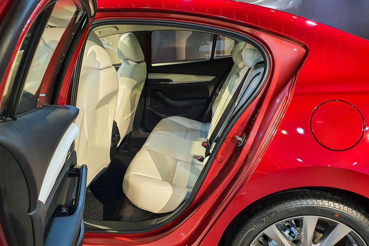 Hàng ghế sau của Mazda 2 2020 1