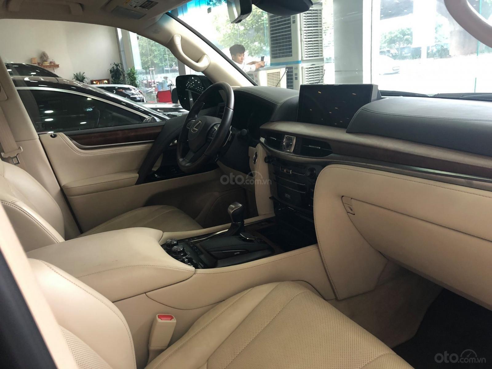 Bán Lexus Lx570 xuất Mỹ đăng ký lần đầu 2016 tên cá nhân (6)