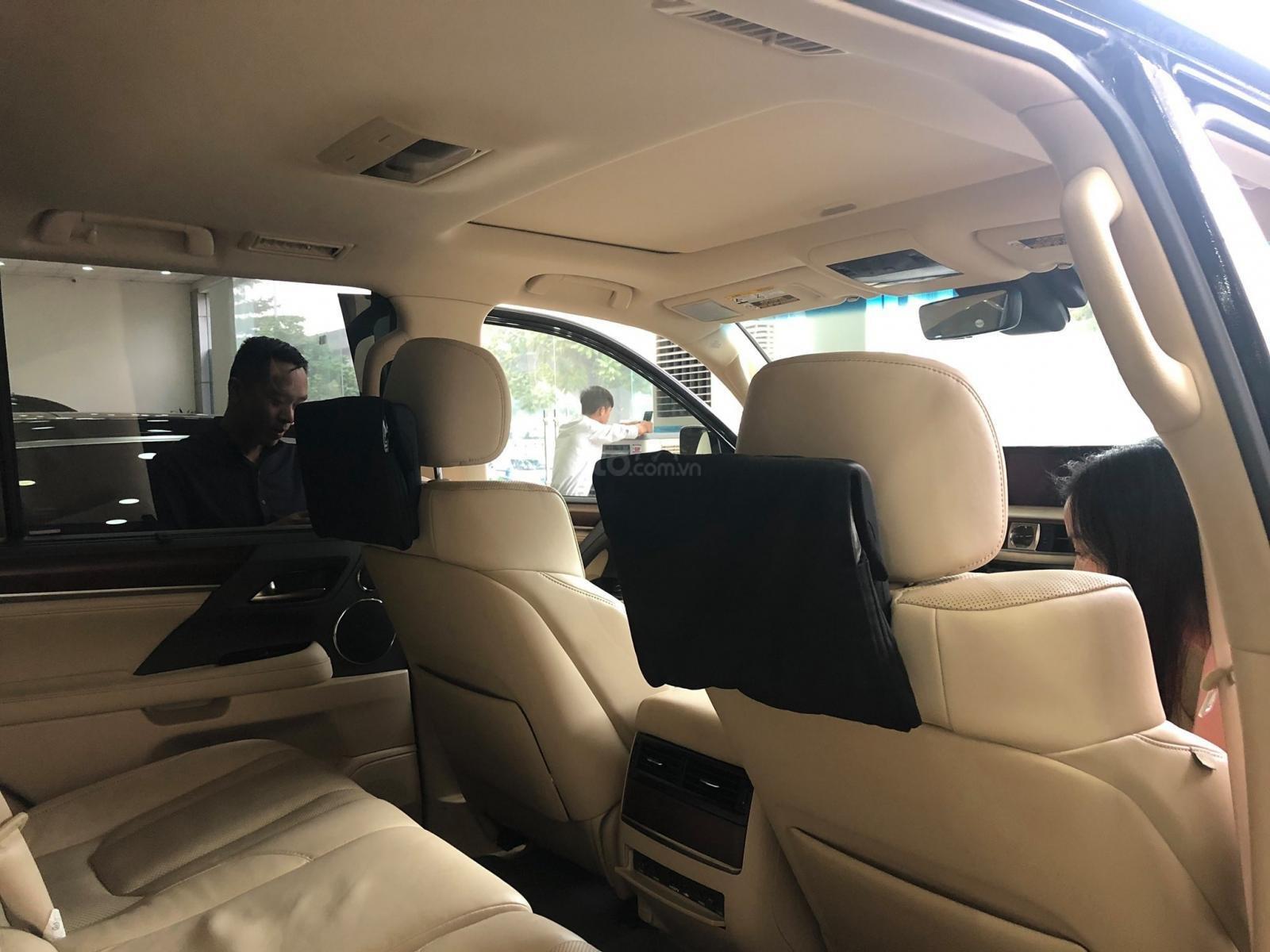 Bán Lexus Lx570 xuất Mỹ đăng ký lần đầu 2016 tên cá nhân (9)