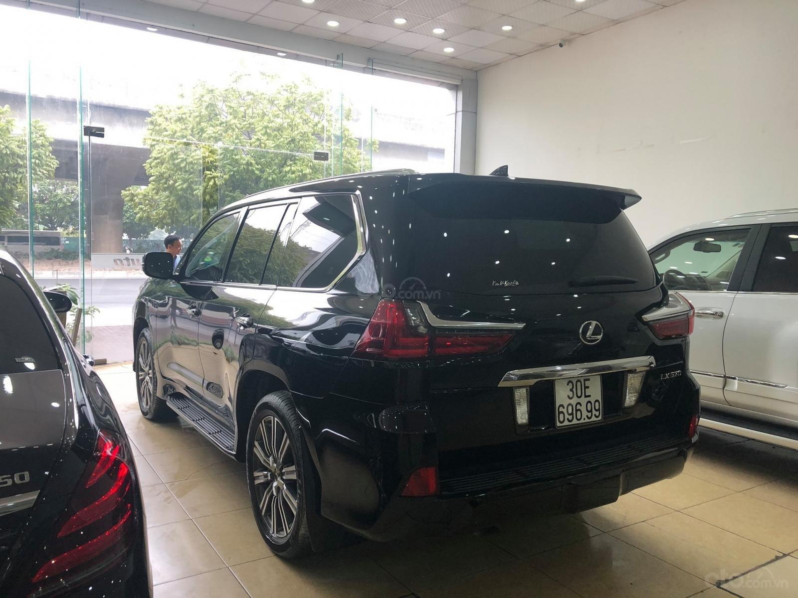 Bán Lexus Lx570 xuất Mỹ đăng ký lần đầu 2016 tên cá nhân (12)