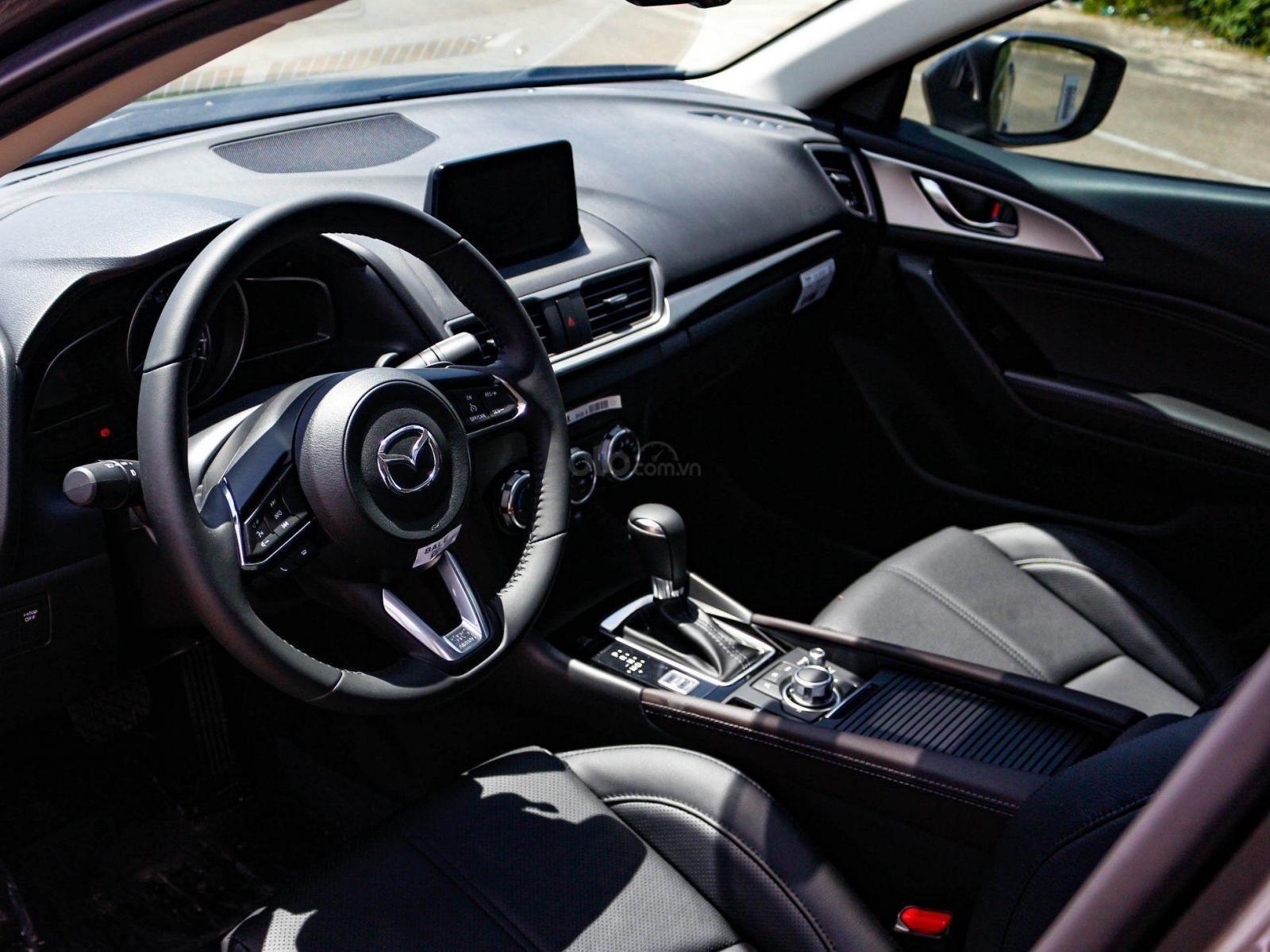 Bán Mazda 3 giá từ 657tr, đủ màu, giao xe ngay, tặng gói bảo dưỡng 3 năm miễn phí (4)