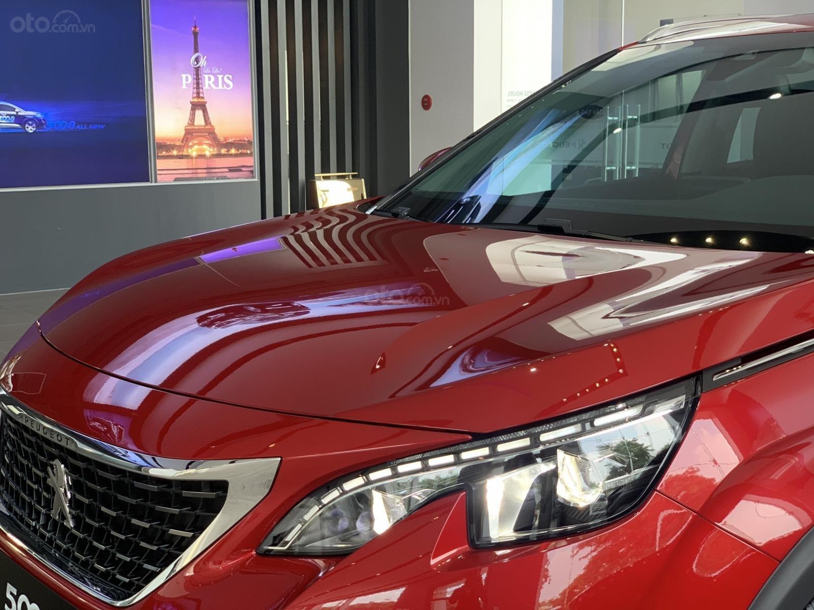 Cần bán nhanh chiếc xe Peugeot 5008 năm 2019, màu đỏ - Có sẵn xe - Giao nhanh toàn quốc (6)