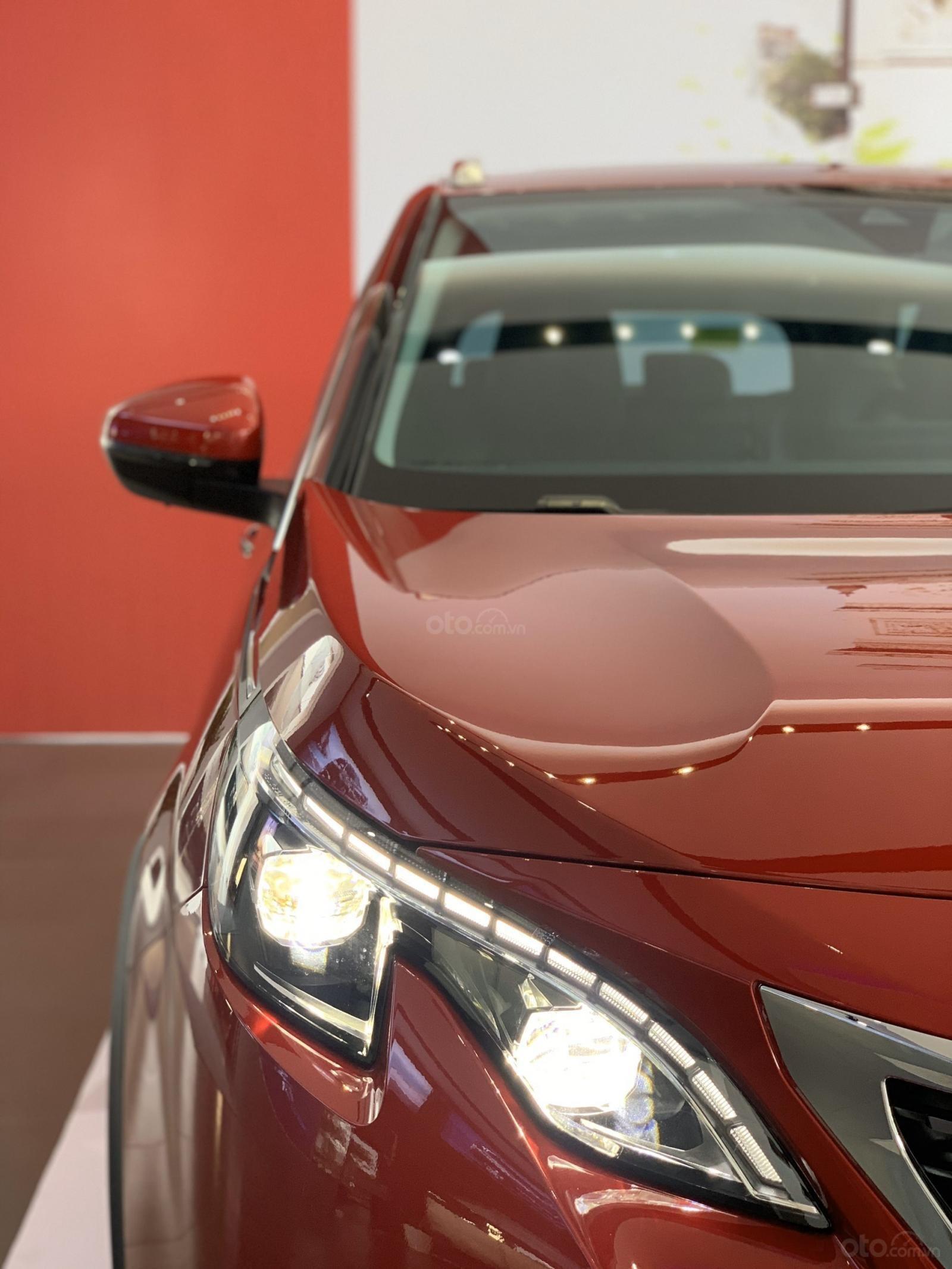 Cần bán nhanh chiếc xe Peugeot 5008 năm 2019, màu đỏ - Có sẵn xe - Giao nhanh toàn quốc (8)