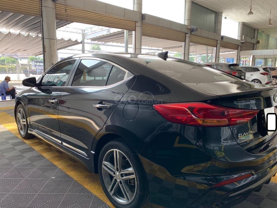 Bán xe Hyundai Elantra Turbo Sport đời 2018, màu đen, giá 668tr (4)