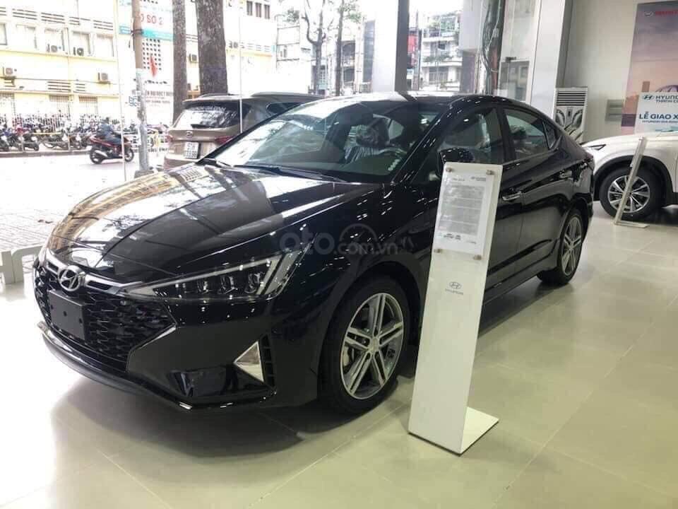 Bán Hyundai Elantra 2019, giá chỉ từ 535 triệu (2)