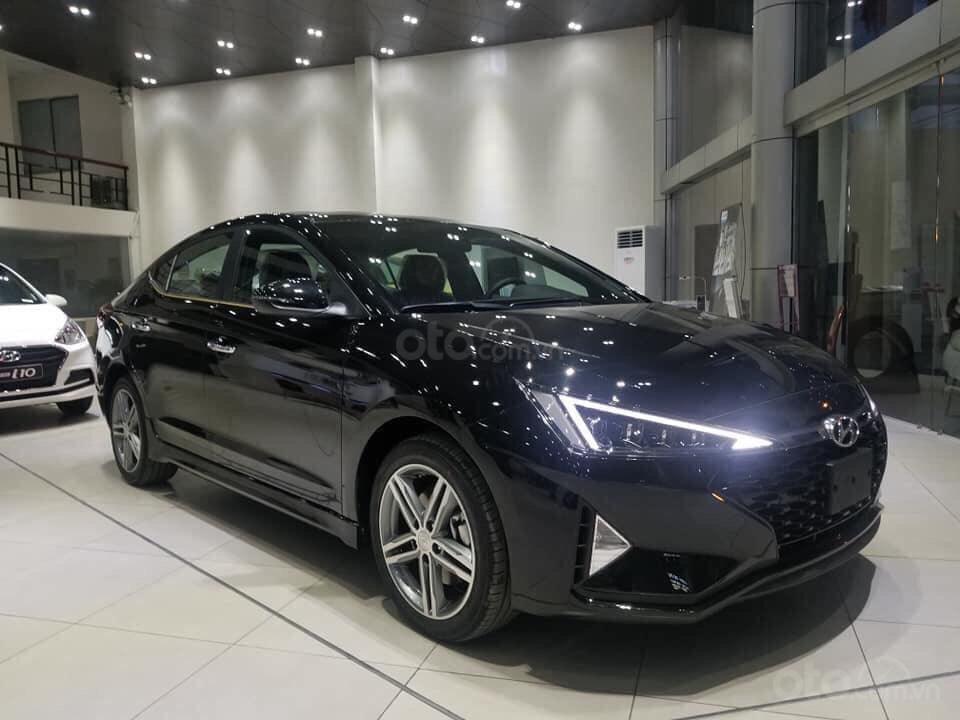 Bán Hyundai Elantra 2019, giá chỉ từ 535 triệu (4)
